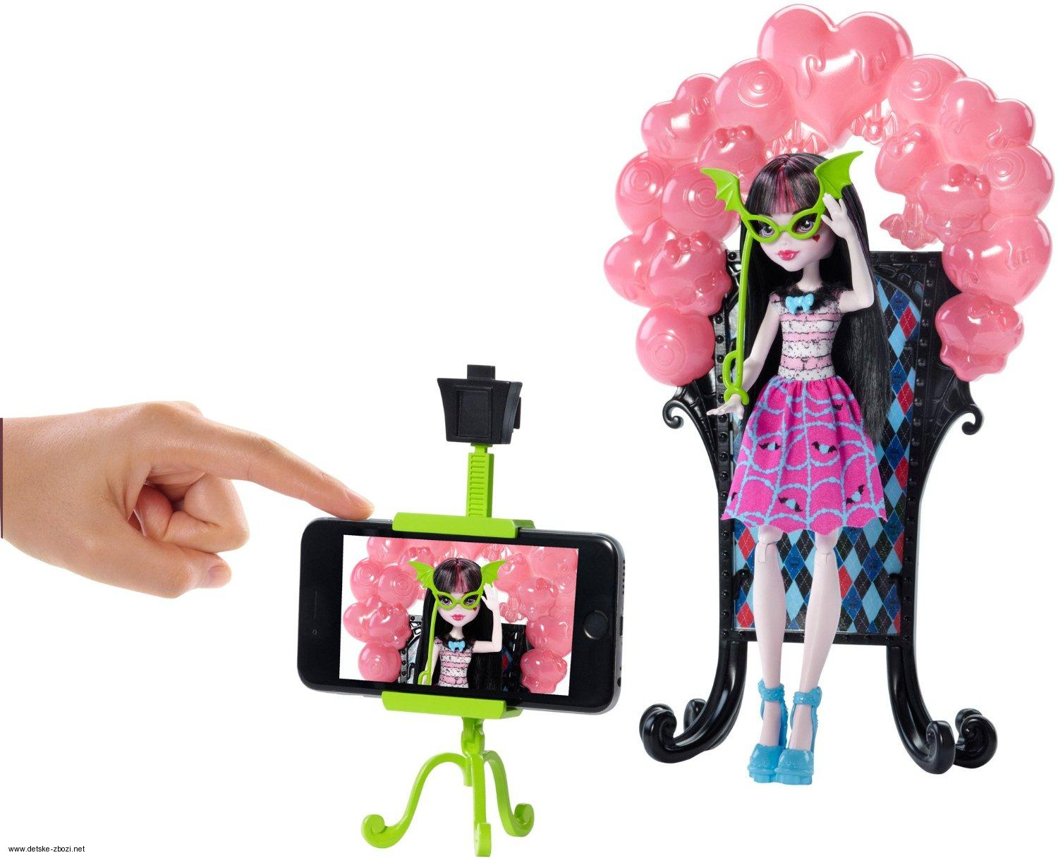 Mattel Welcome to Monster High Draculaura panenka sada